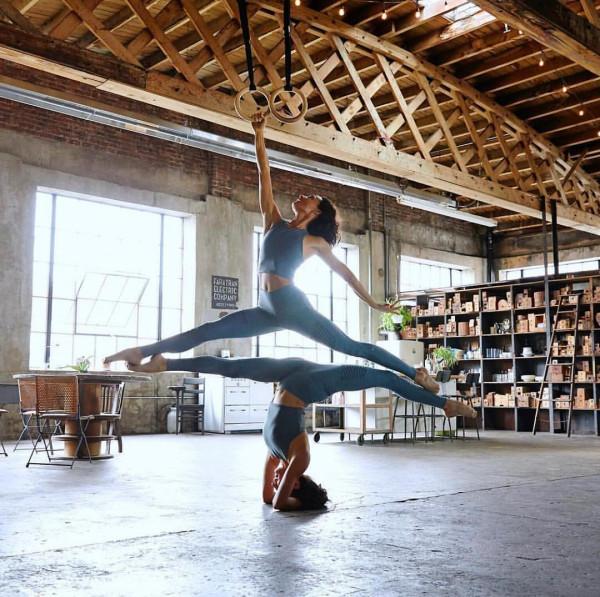 7 tư thế Yoga giúp bạn thon gọn đùi nhanh chóng 3