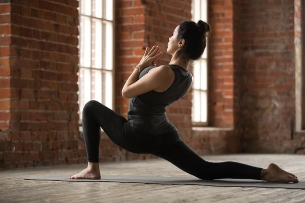 Muốn xoạc chân khi tập Yoga? Thực hiện 8 động tác Yoga này trước đã! 2