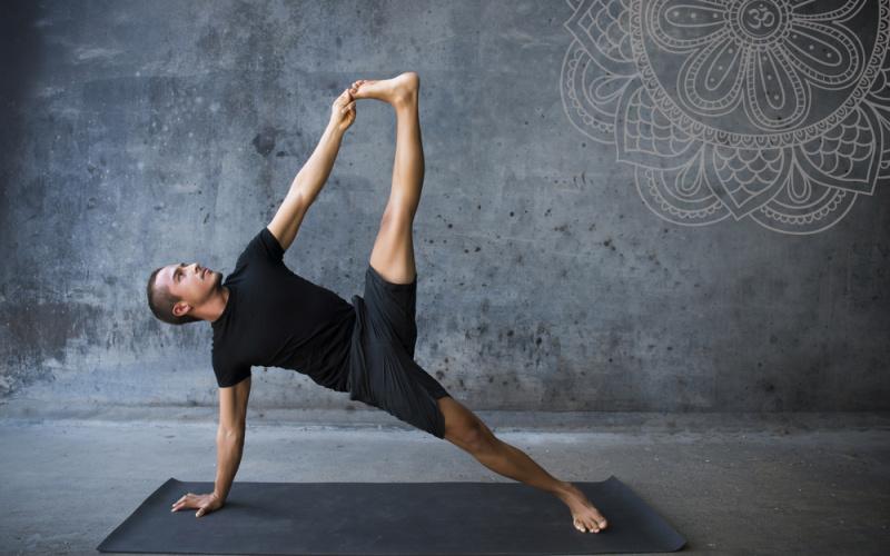 4 sai lầm trong lớp Yoga nam giới thường mắc phải | YogaPlus